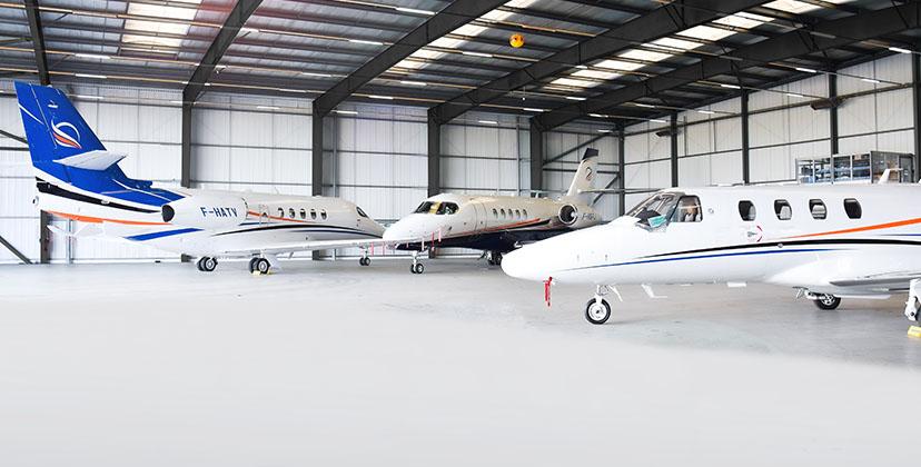 Aircraft handling - Aircraft hangar - FBO Paris Le Bourget