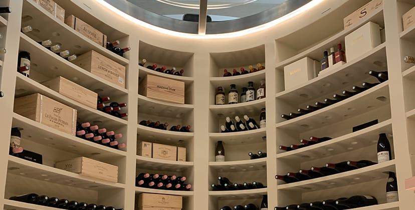 Salon passagers avec bar et cave à vins - FBO Paris Le Bourget
